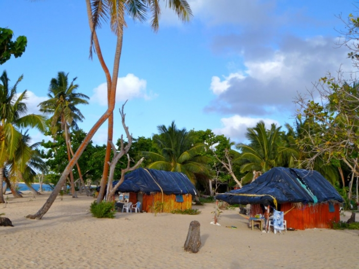 Tourism tonga taianas resort haapai taianas resort is right on the beach we look forward to welcoming you to our lovely part of the world we offer 5 traditional tongan fales sciox Images